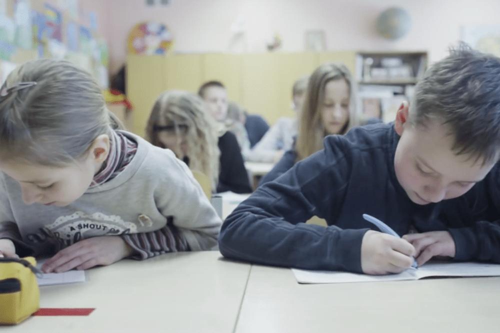 Neprižiūrima virtuali erdvė – ginklas vaiko rankose