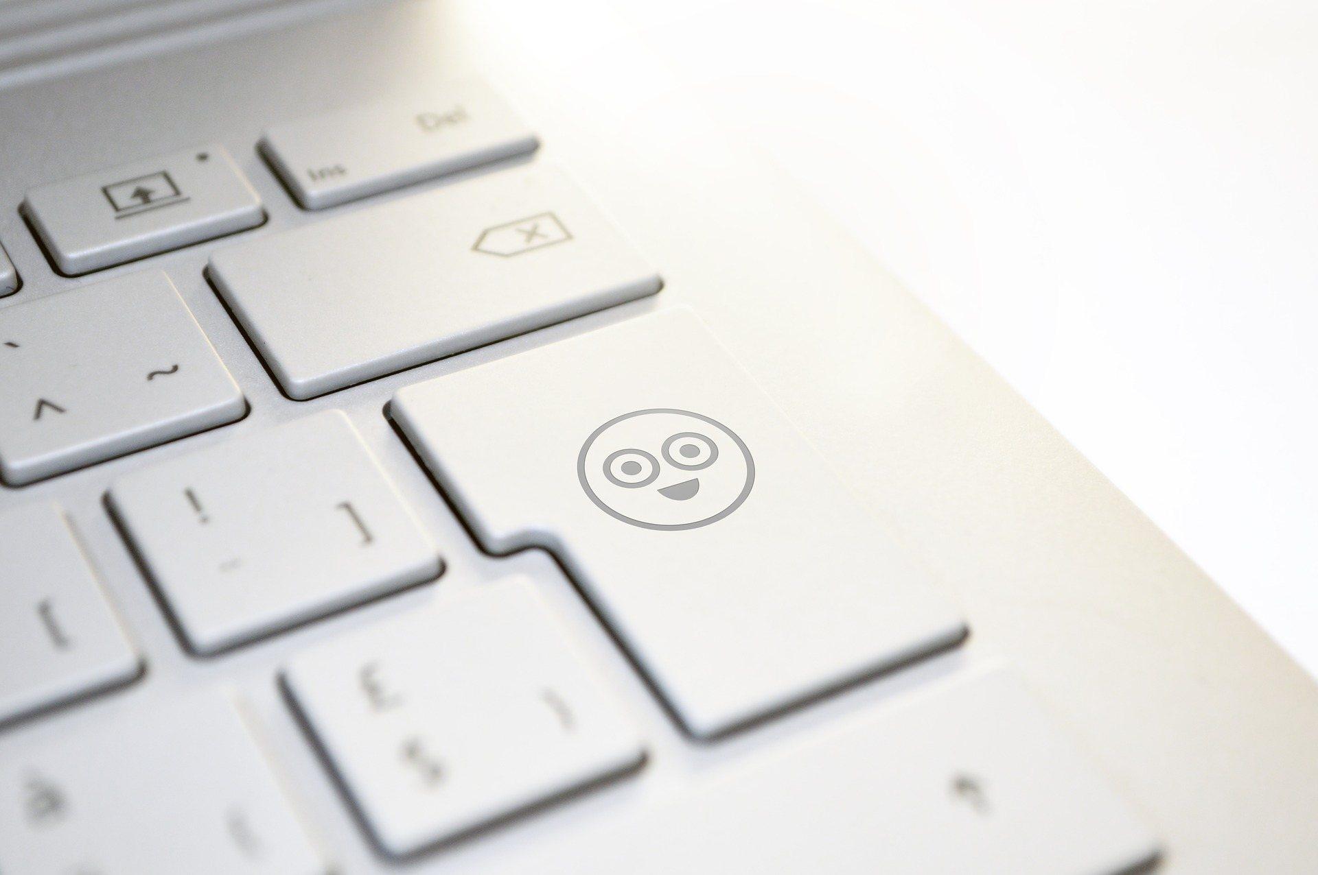 Interneto etika – mandagaus ir pagarbaus elgesio būtinybė, ne tik realiame, bet ir virtualiame gyvenime